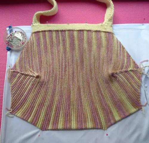 Lining the garter stitch handbag