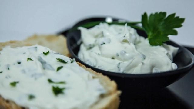 Risultati immagini per formaggio spalmabile vegan fai da te