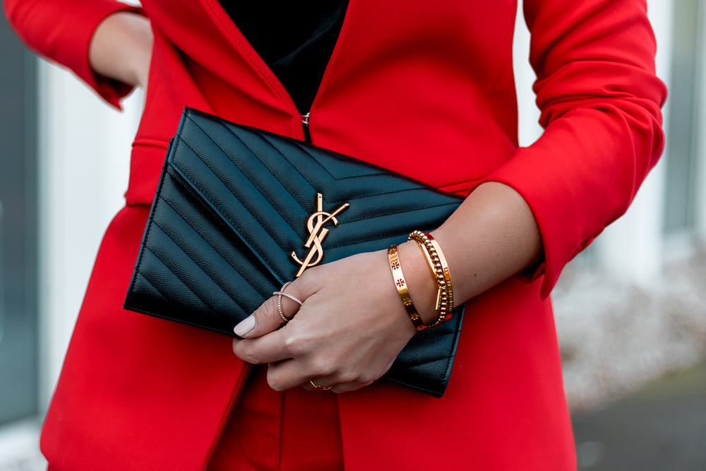 Valentinstag Outfit, Date Outfit, Roter Anzug, Red Suit, Valentines Day Outfit