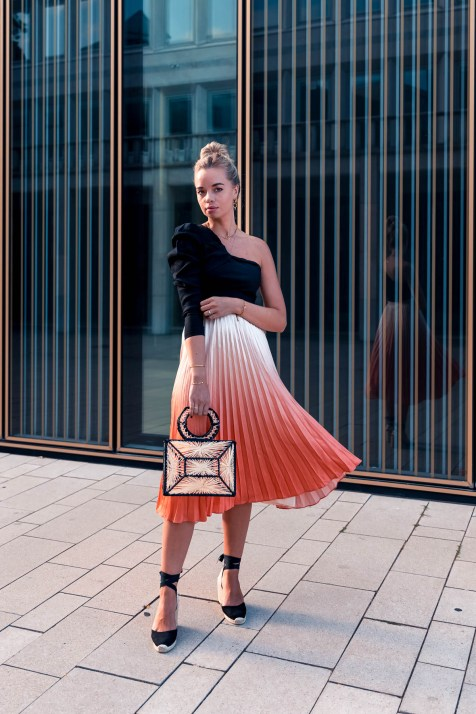 blog-geburtstag-my-philocaly-pleated-skirt-plissee-rock-sommer-outfit-1