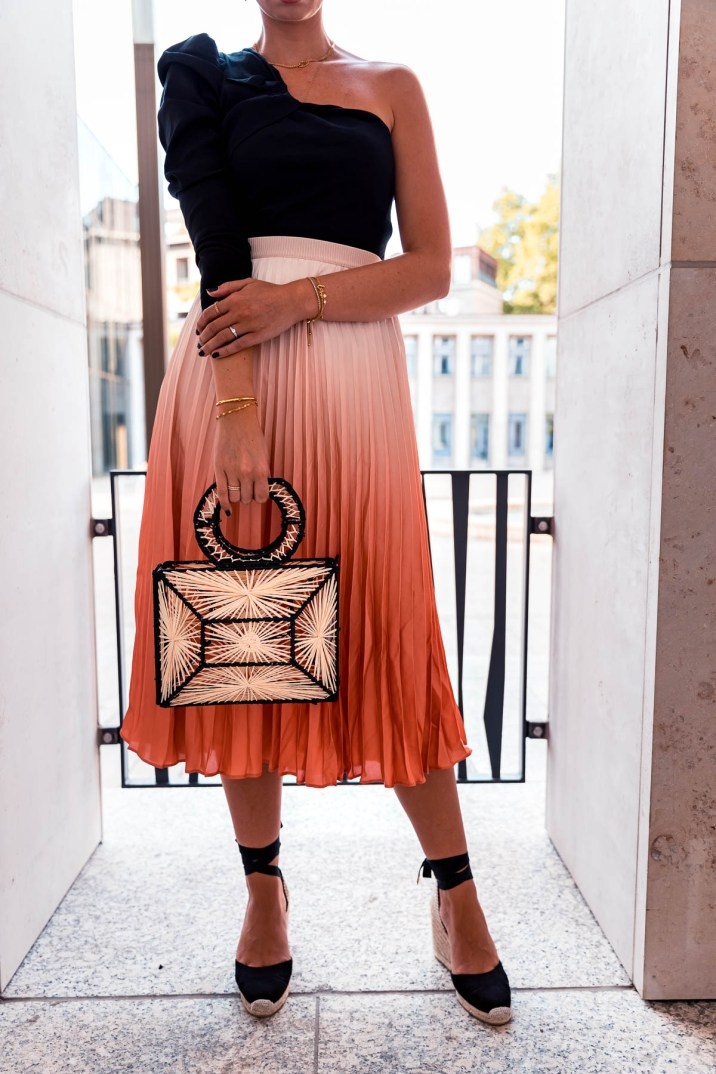 blog-geburtstag-my-philocaly-pleated-skirt-plissee-rock-sommer-outfit-6