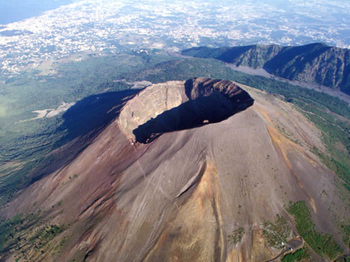 The spectacular hike up to the crater rim of Mount Vesuvius