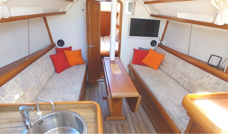 location voilier Bavaria 32 holiday carre vacance croisiere en mediterranee
