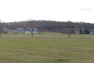 Auf der hinteren rechten Seite unseres Grundstücks ist noch Platz für weitere Bauvorhaben