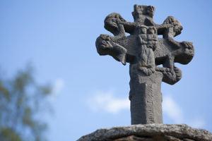 8 arms cross