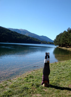 Bianca Meeuwissen doing meditation in the Andorran mountains