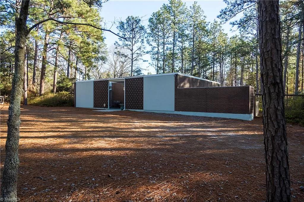1959 Mid-Century Modern Home Front