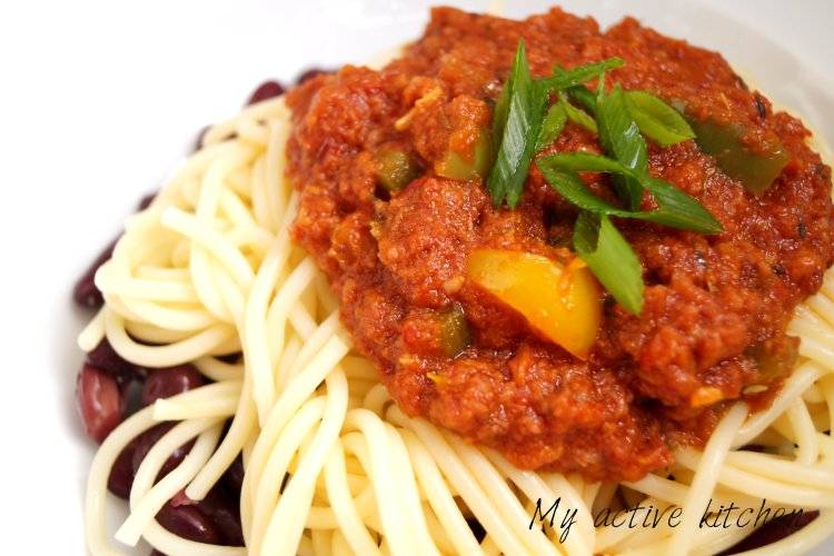 corned beef stew on spaghetti and kidney beans