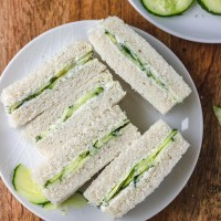 Easy Cucumber Sandwiches with Cream Cheese