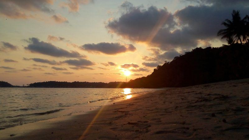 Direct access to a gorgeous beach and a stunning sunset at Chivapuri Beach Resort