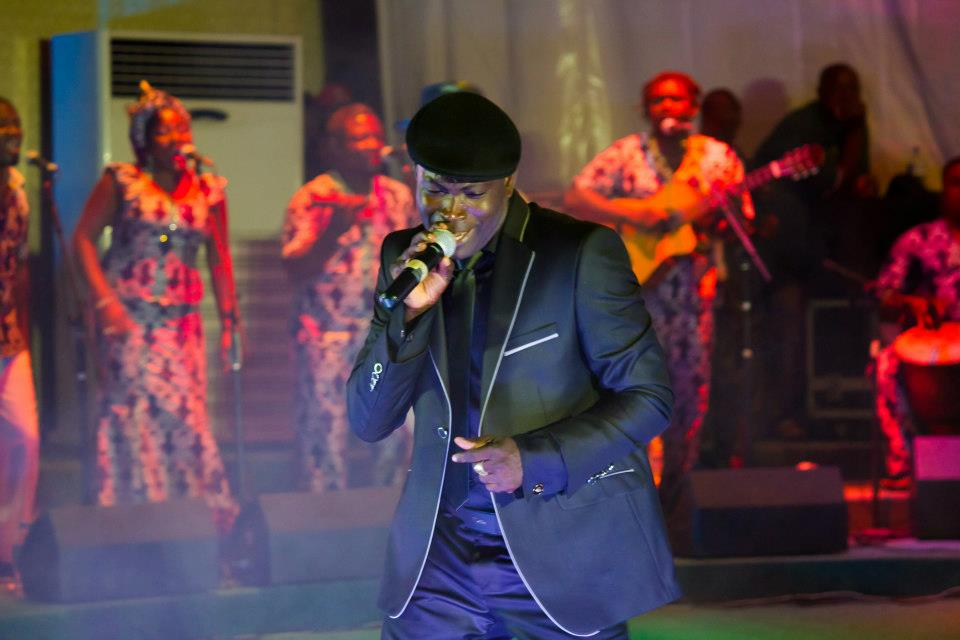 Togo/Musique : King Mensah dédicace son  9e album par un concert live à Lomé