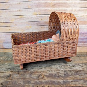 Large Moses or Doll Cradle Brown