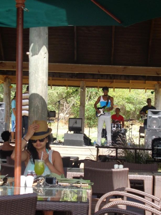 Omari Banks at Da'Vida Restaurant