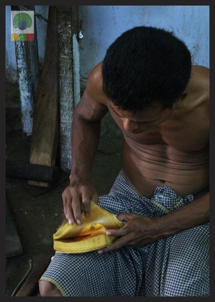Gold Pounders Workshop - Mandalay - Myanmar (Burma) 3