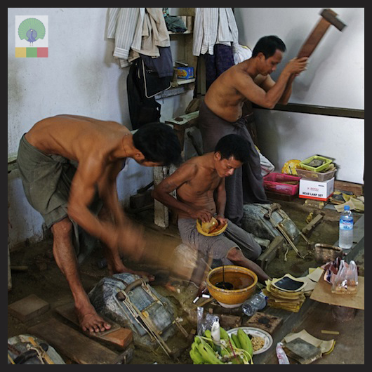 Gold Pounders Workshop - Mandalay - Myanmar (Burma) 6