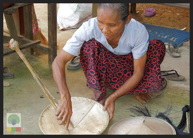 Bamboo Husk Hat Workshop Mawlamyine (Moulmein) - Myanmar (Burma) 4