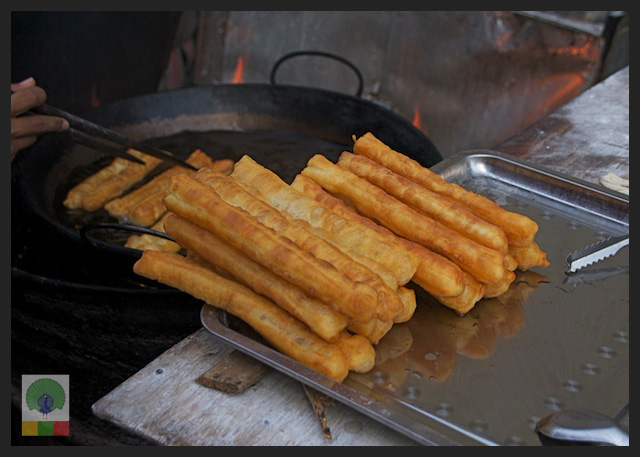 Snacks in Myanmar: Churros