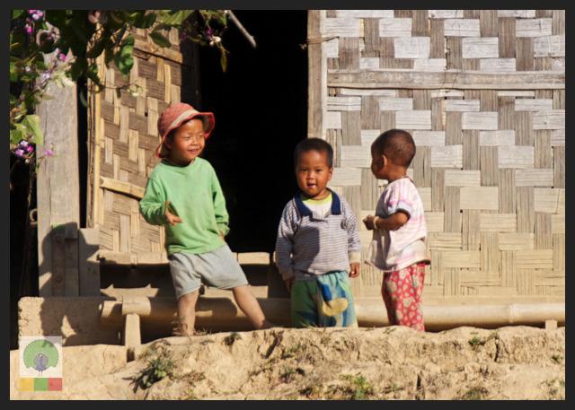 Smiles - Burmese Kids playing - Inle Lake - Myanmar (Burma)