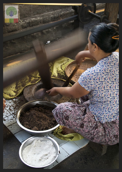 Black Sesame Seed and Sticky Rice Cake - Delicious Myanmar 4