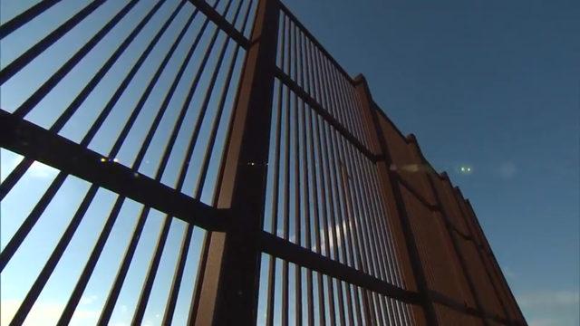 US border wall, CNN video_1552285518339.jpg_455772_ver1.0_640_360_1556374961739.jpg.jpg