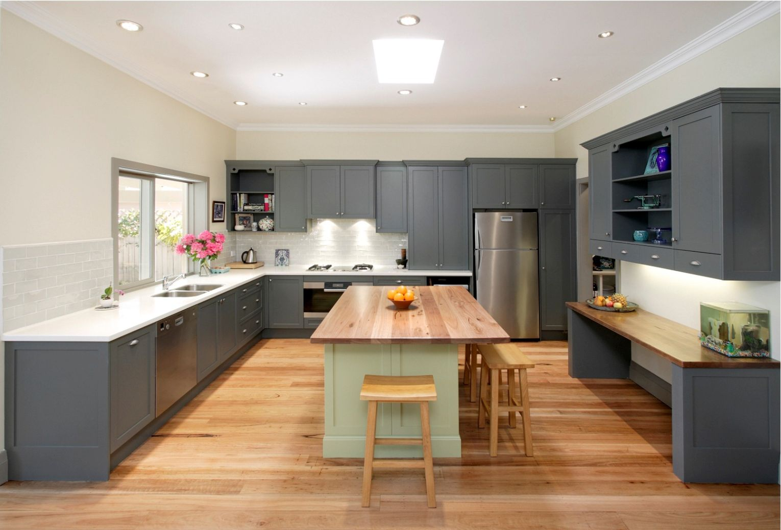 Gray Kitchen Cabinets With White Countertops for Large Modern     Gray Kitchen Cabinets With White Countertops for Large Modern Kitchen Design