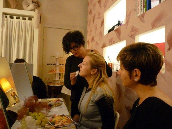 Corso-Self-Make-up-Ela-Cares-mybarr