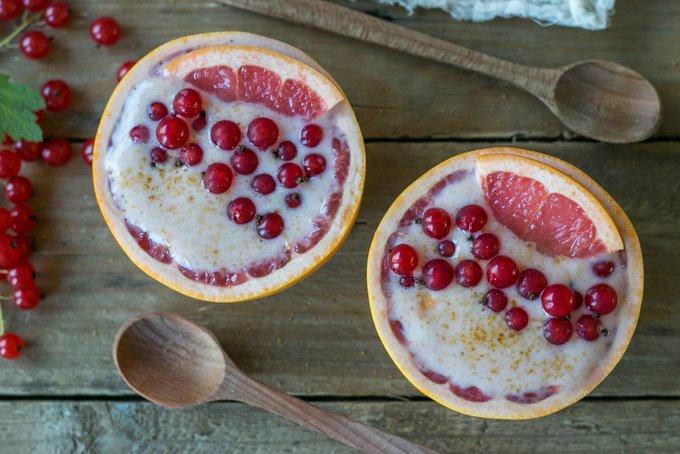 Pink grapefruit smoothie bowls