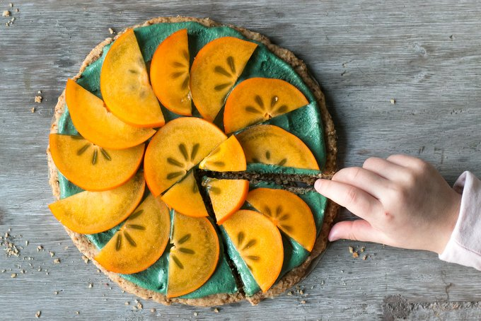 PERSIMMON PIZZA PIE – HAPPY AND BRIGHT 2016