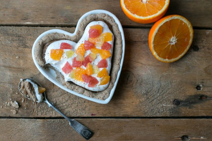 Creamy citrus pie with tahini caramel