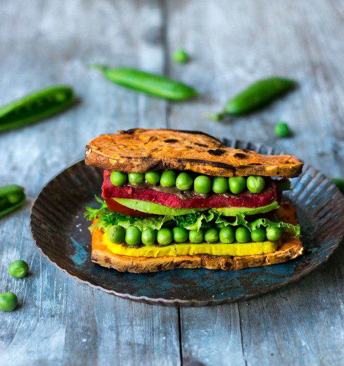 Sweet Potato Sandwich with Beetroot Cashew Cheese. Vegan, gluten-free, myberryforest.com