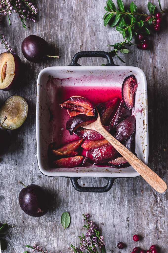 Pinnertest results and delicious roasted plums. Vegan. Myberryforest.com