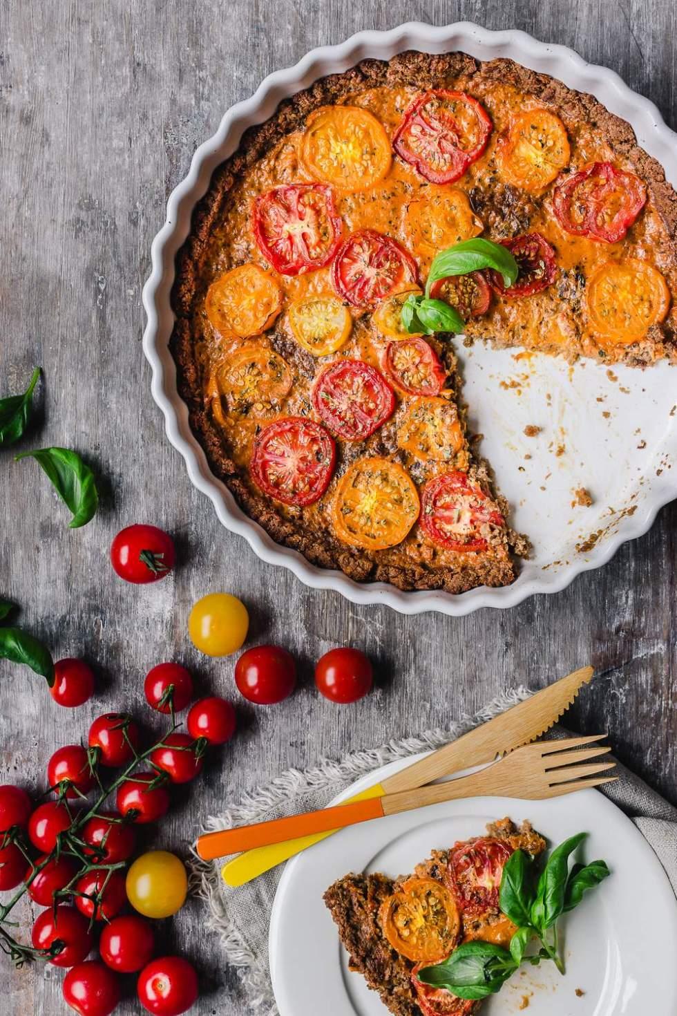 Nyhtökauraa luovasti Vegaaninen tomaattipiirakka Myberryforest.com