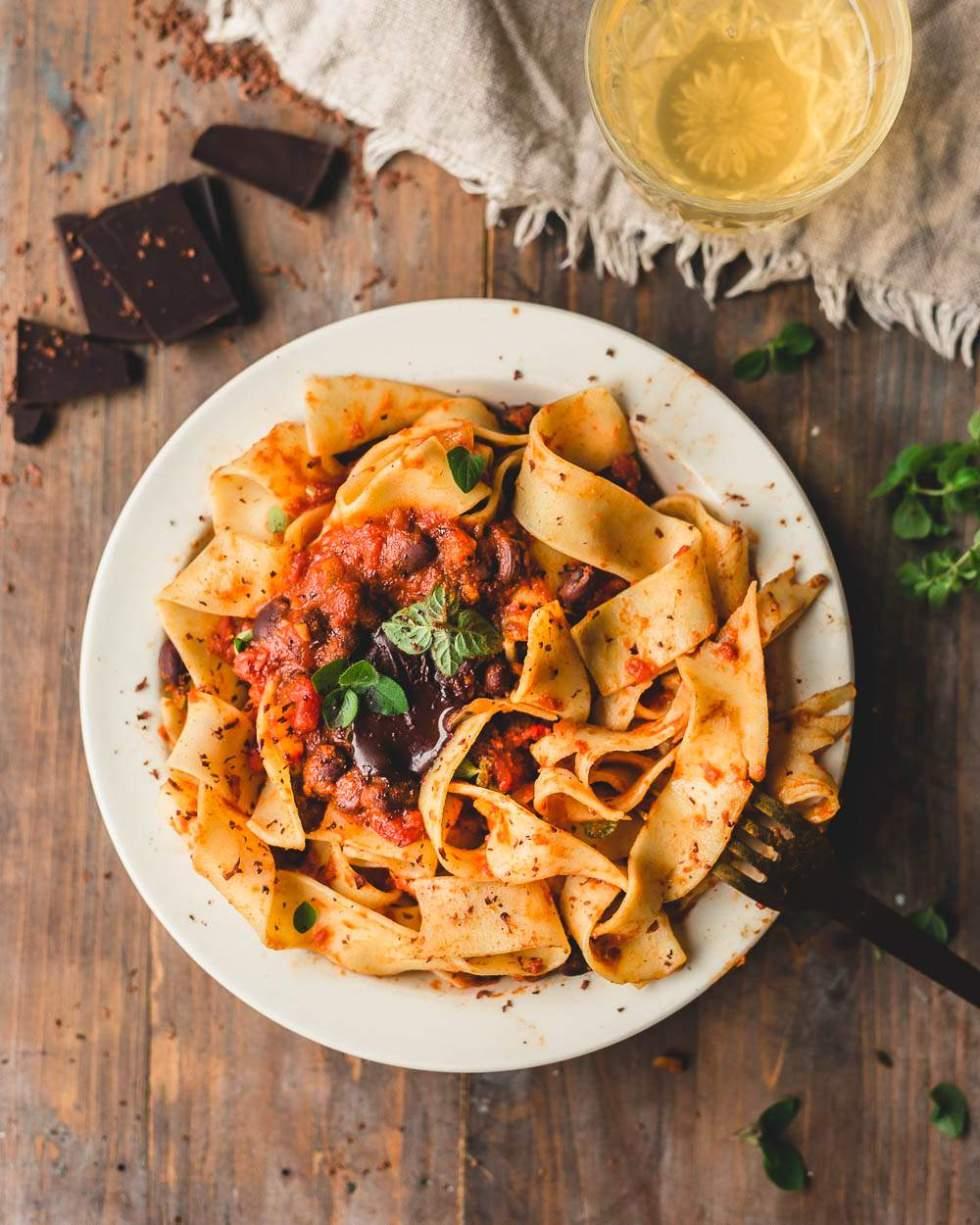 Vegaaninen meksikolainen mole pasta