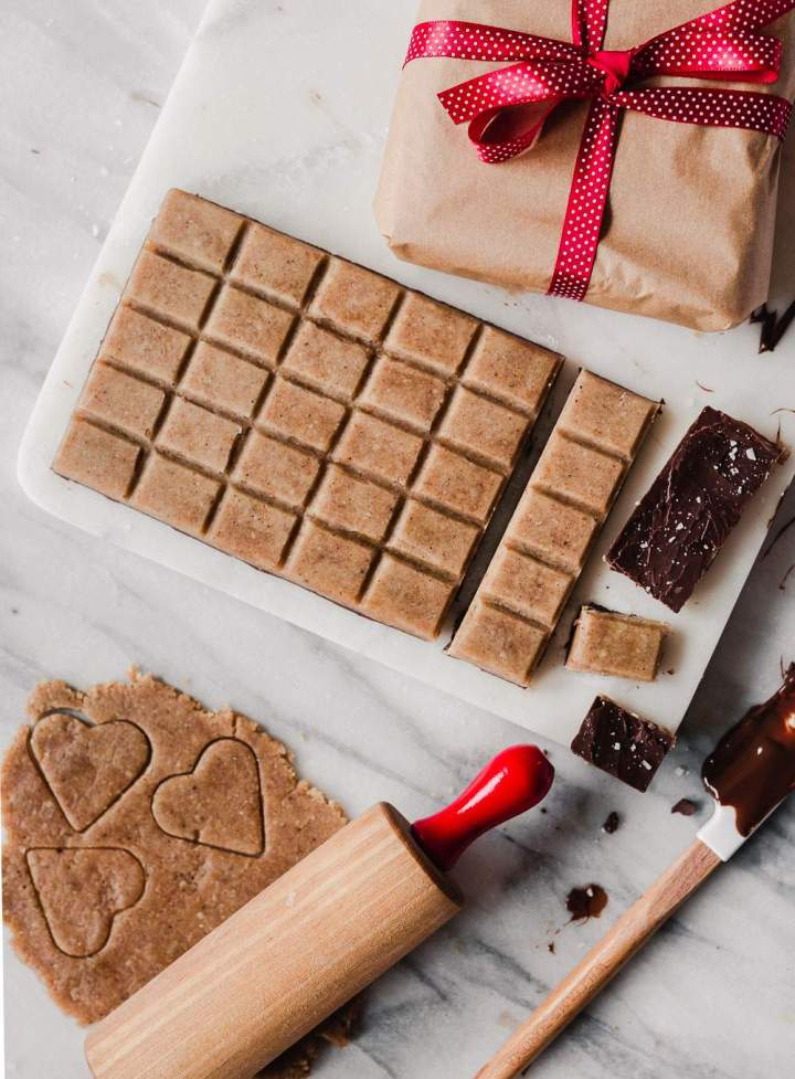 Vegan Gingerbread Cookie Dough Chocolate Bites