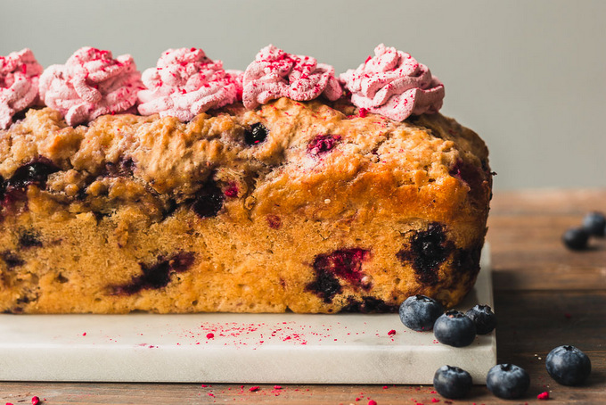 Vegan cider bread with blueberries