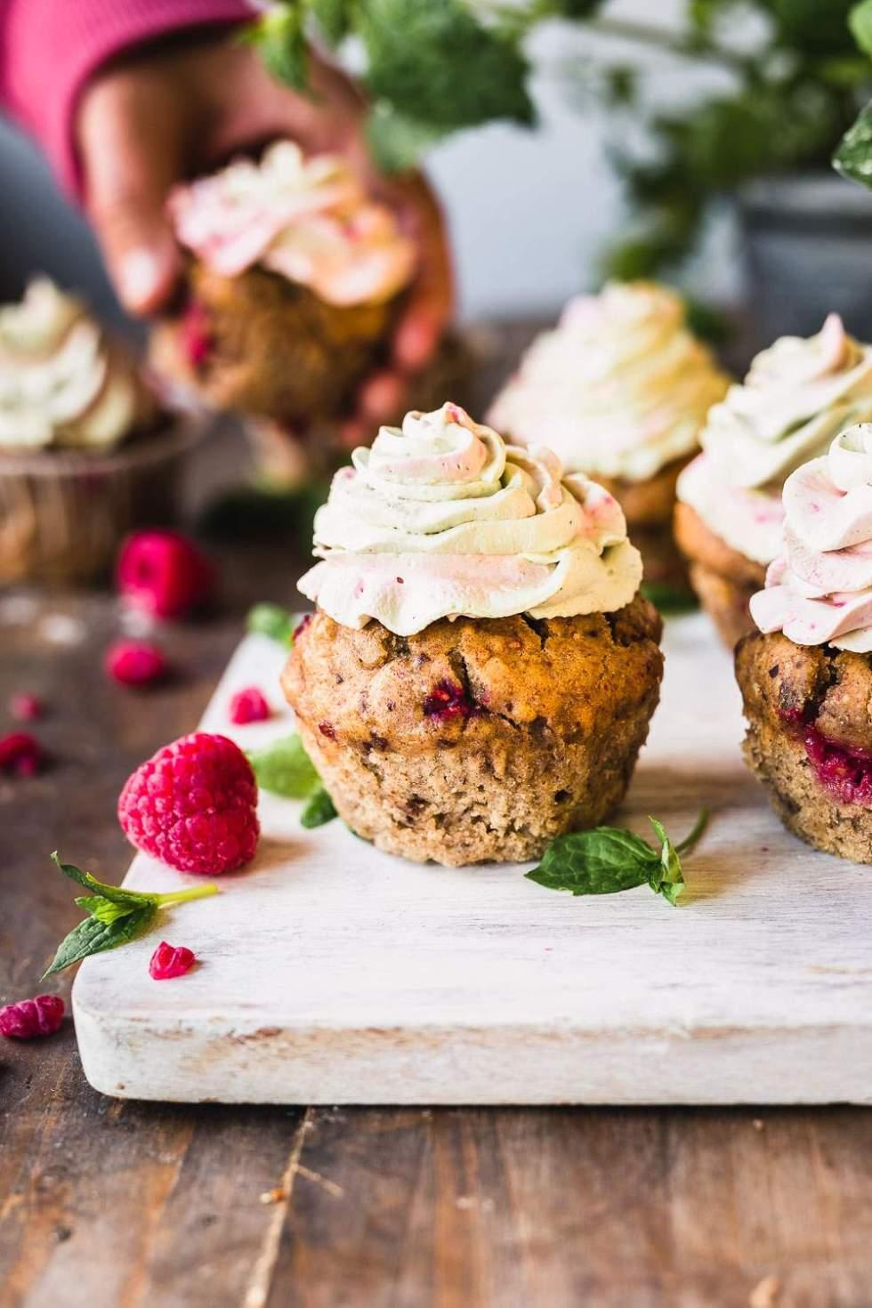 Date-sweetened vegan kombucha muffins