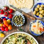 Kvinoa pastasalaatti ja mantelifetaa