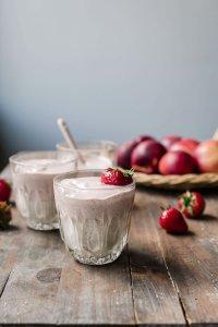 Creamy strawberry nectarine yogurt smoothie