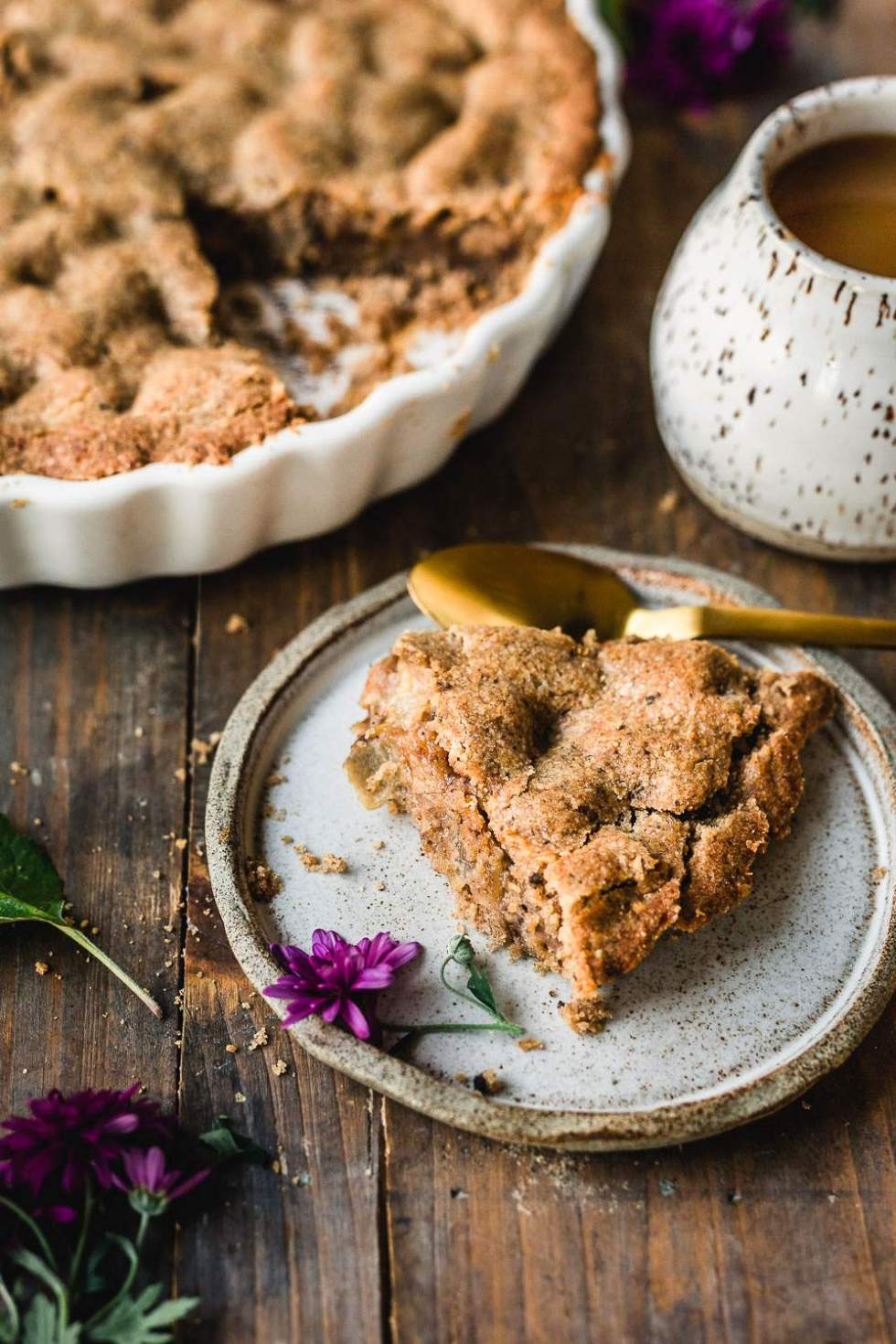 Vegan apple pie with buckwheat crust