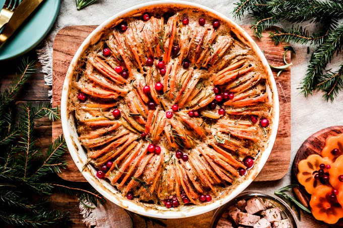 Festive Vegan Scalloped Potatoes
