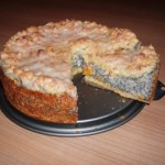 German Poppy Seed Cake with Streusel