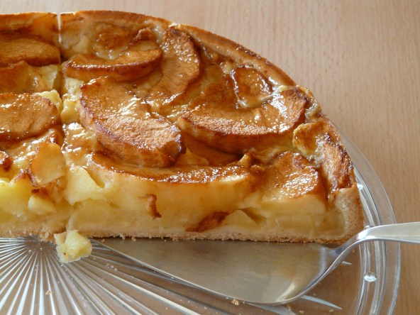German Apple Cake - Easy Recipe