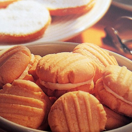 filled butter cookies