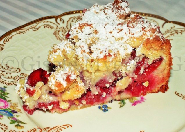 mini cherry streusel cake