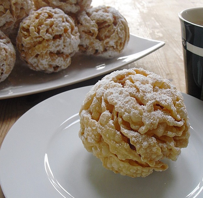 German Snowball Pastry From Rothenburg Best German Recipes