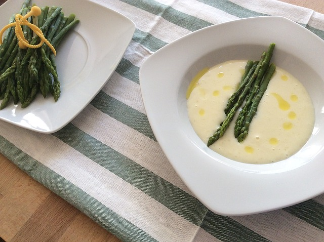 Creamy Green Asparagus Potato Soup