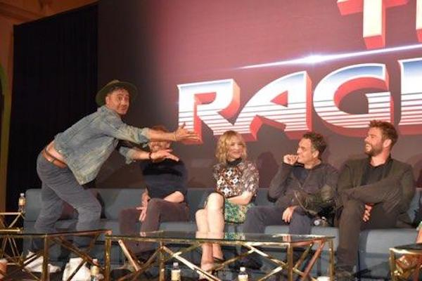 All the fun from the thorragnarok press junket my big fat cuban host taika you kind of brought an independent sensibility to this monstrous film and gave it fun and a little heart too what was the process like for ccuart Images