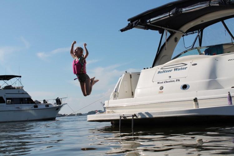 angle boat jump photo