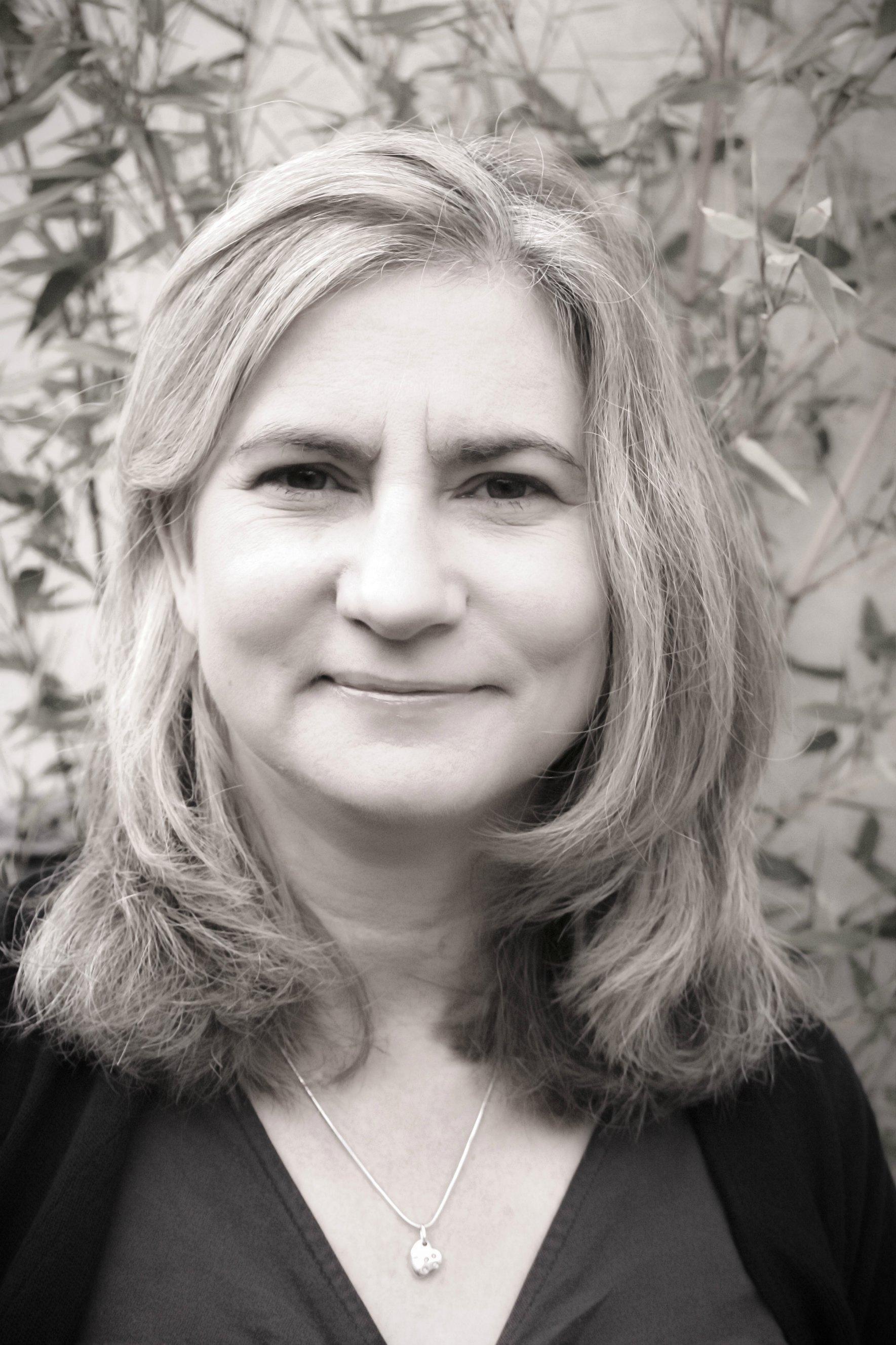 Tracy Darnton