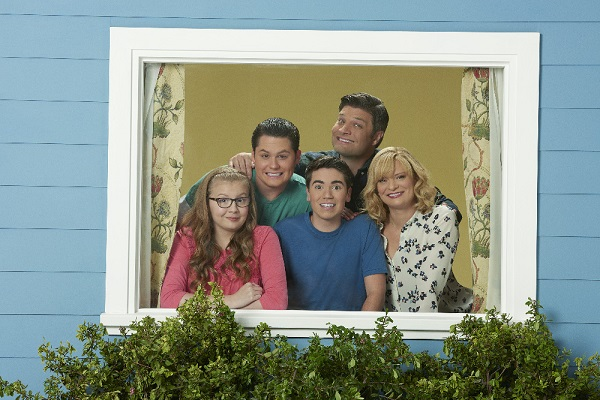 "THE REAL O'NEALS - ABC's ""The Real O'Neals"" stars Bebe Wood as Shannon, Matt Shively as Jimmy, Noah Galvin as Kenny, Jay R. Ferguson as Pat and Martha Plimpton as Eileen. (ABC/Bob D'Amico)"